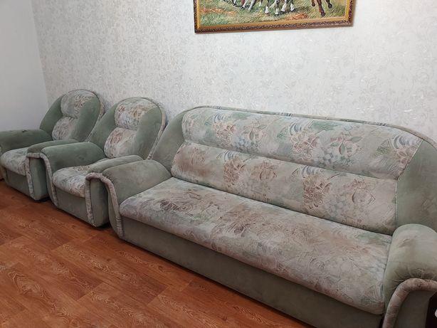 Уголок (диван с двумя креслами)