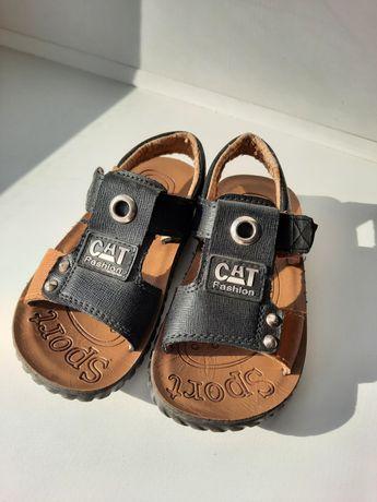 Детские сандали на мальчика