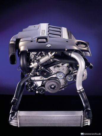 Dezmembrez motor BMW 2.0d 136 cai