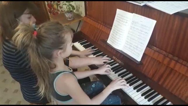 Уроки игры на фортепиано, сольфеджио 2000тг.