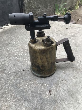 Бензинова лампа