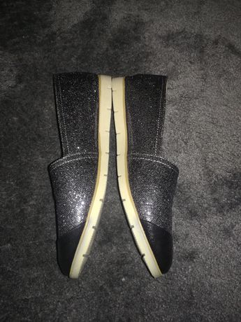 Pantofi casual. Mar. 39 și Pantofi eleganți mar. 40
