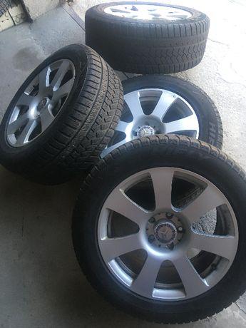 Mercedes оригинални джанти с гуми мерцедес 235/55/17 перфектни 17 цола
