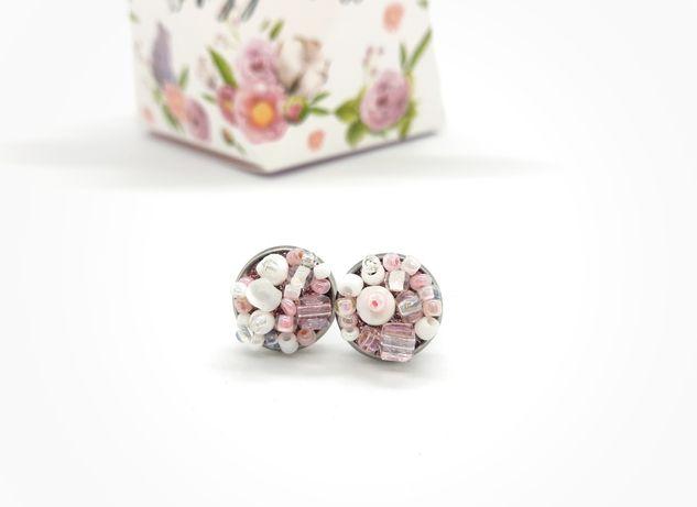 Cercei handmade cu pietre roz pal, albe