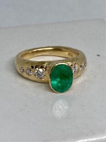 Inel aur 18kt.designer cu diamante si Smarald