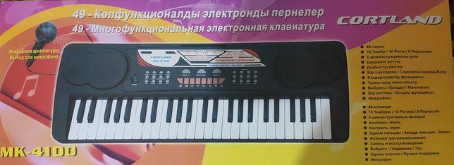 Синтезатор CORTLAND MK-4100