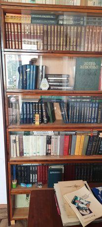 Продам книги томами Чехова 12 томов Толстого 12 томов Салтыков Шедрин