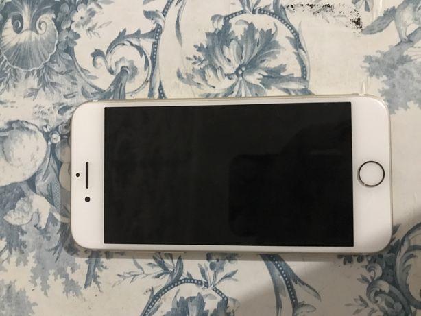 Продам срочно Iphone 7 128g  цвет золотой