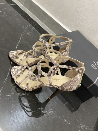 Елегантни сандали GiAnni