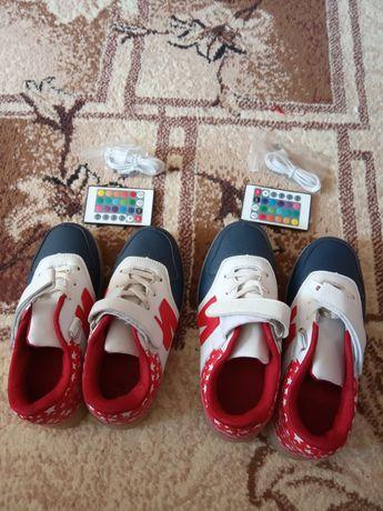 Детские кроссовки на пульте
