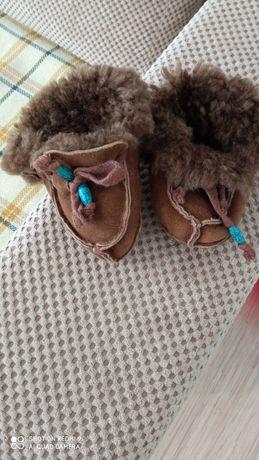 Продам теплую обувь на малыша