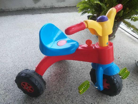 Детско колело с три гуми