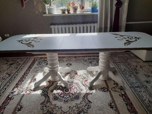 Стол для гостиный