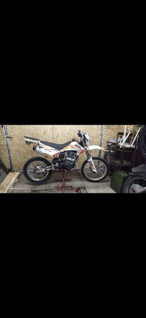 Мотоцикл Zongshen R5 250