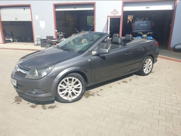 Opel Astra Twintop Cosmo