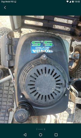Motor marca Honda de 5.5 cai