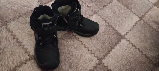 Зимняя обувь для мальчика.