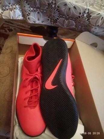 Маратонки Nike от UK