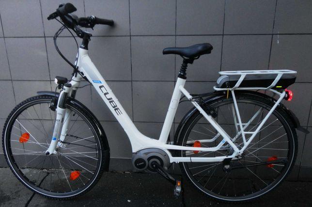 Super Reducere! Bicicleta electrica Cube Travel dama Bosch