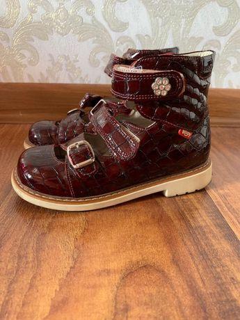 Ортопедическая обувь для девочки