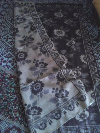 Вълнено одеяло.+холна бяла гарнитура-1 пелена и 8 части+още 1 пелена г