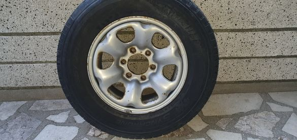 Nissan Terrano джанта с гума