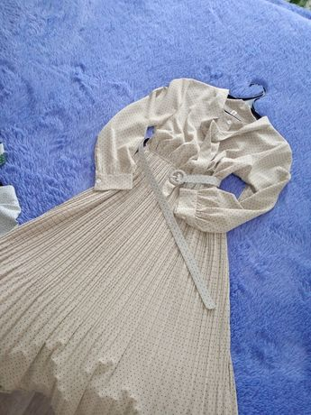 Срочно продаю платья удобный