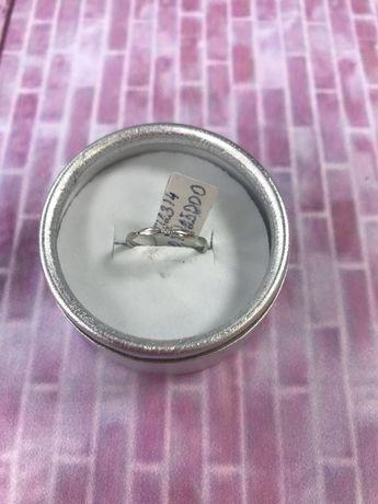 Кольцо с бриллиантом #МА12314
