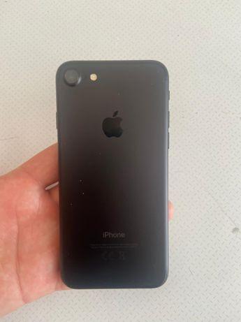 Продам айфон 7 на 128 гиг