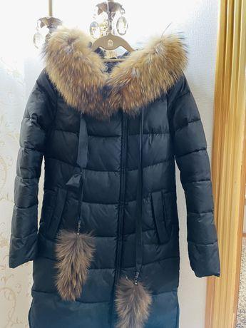 Зимная куртка в отличном состаянии