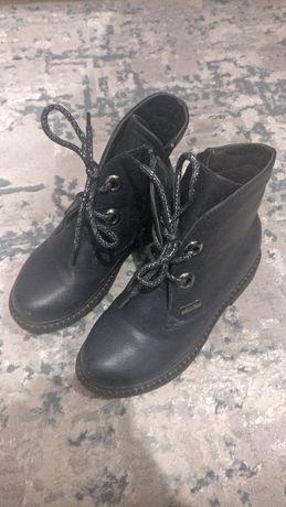 Ботинки осенние 32 размер почти новые