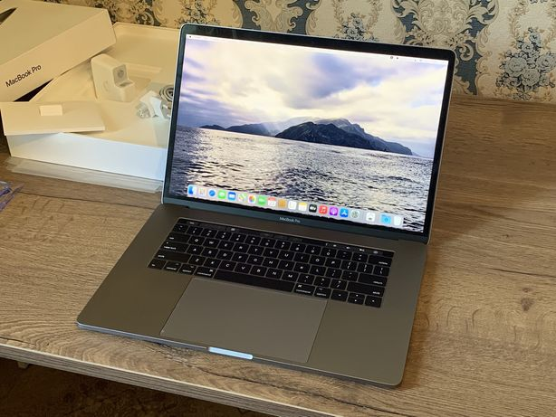 Macbook Pro 15, 2017 /core i7/16gb/512gb SSD Radeon PRO 560 (4gb)