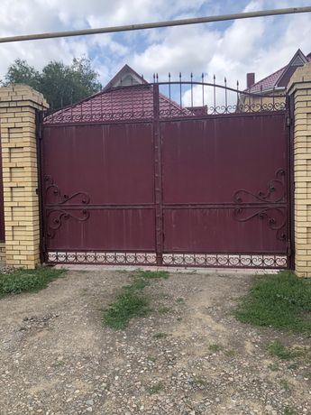Продам ворота въездные и на гараж