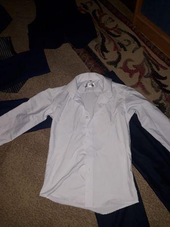 Школьная одежда. Брюки, рубашки, пиджак, жилетки с бабочкой.