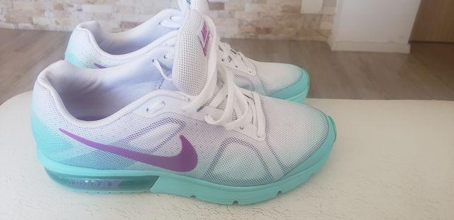 Nike nr 39-40