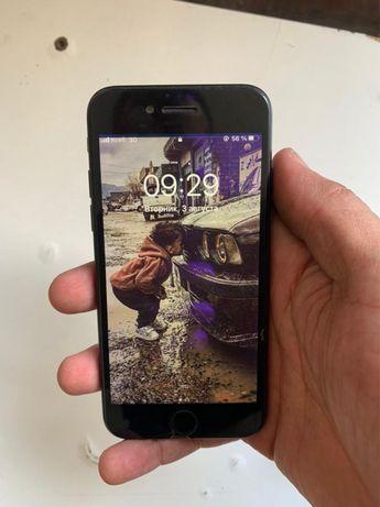 Iphone 7 black 32g в отличном состоянии