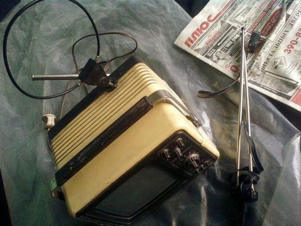 Малогабаритный 25см Телевизор SILELIS Каунасский радиозавод 1985годов