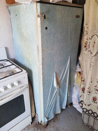 Холодильник Полюс, рабочий! Дёшево!