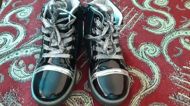 Продам весеннюю обувь