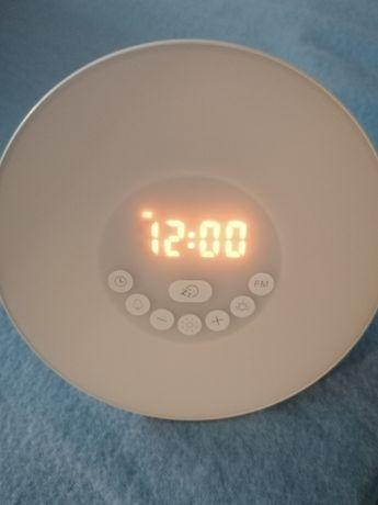 Радио часовник със сменящи се светлини