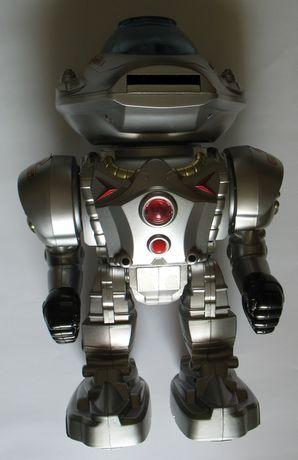 Сребрист робот - свети и говори