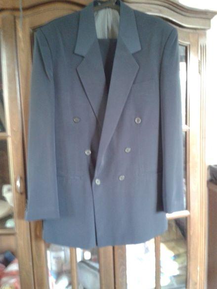 Нов тъмно сив от дуб. коприна костюм48н.