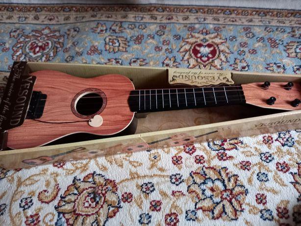 Детская гитара .