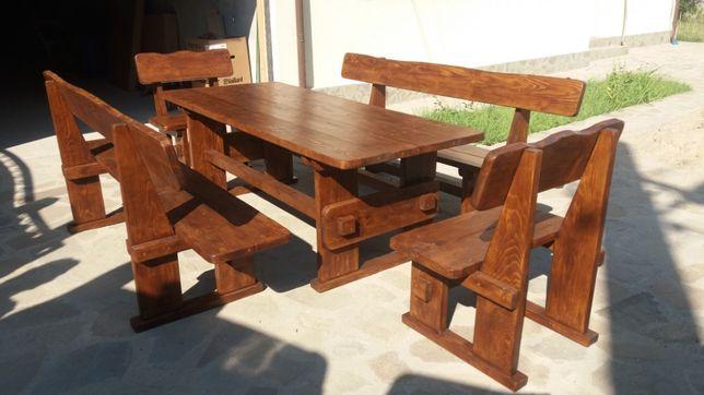 Set masa lemn masiv cu 2 canapele si 2 scaune