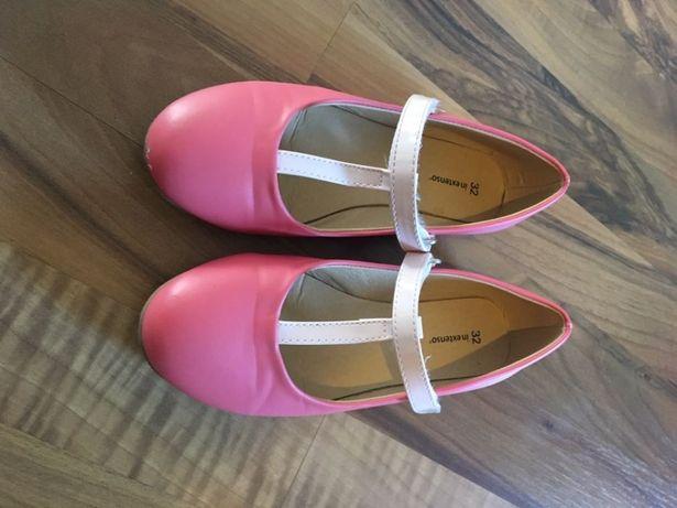 Pantofi Marimea 32