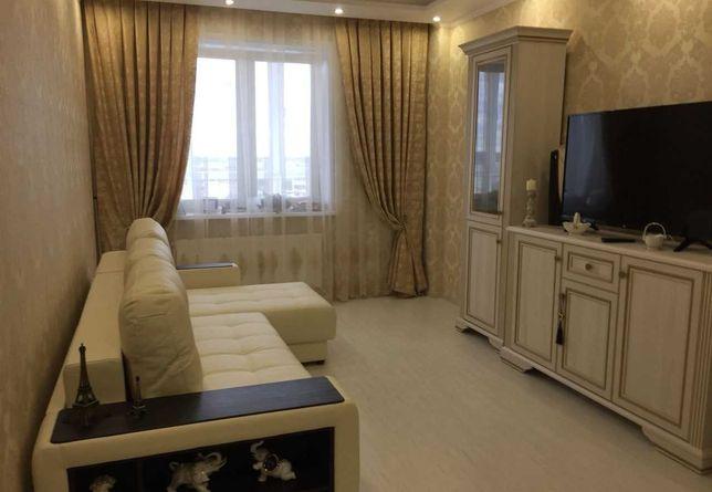 В районе гостиницы Казахстан сдам хорошую 1 комн кв 70000