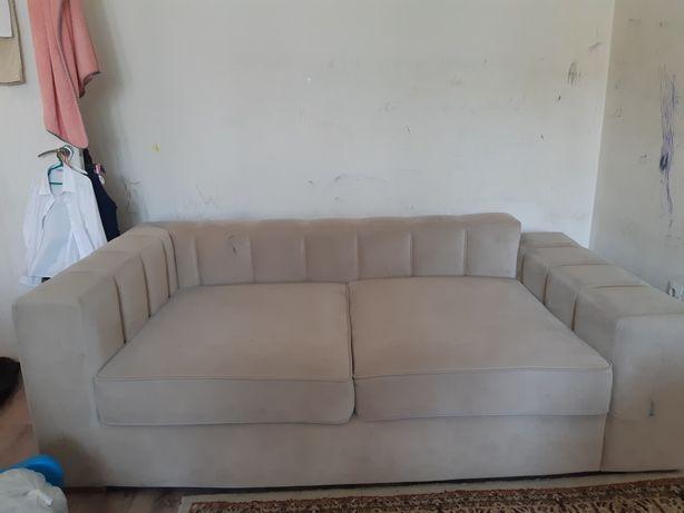Продам диван не раскладной