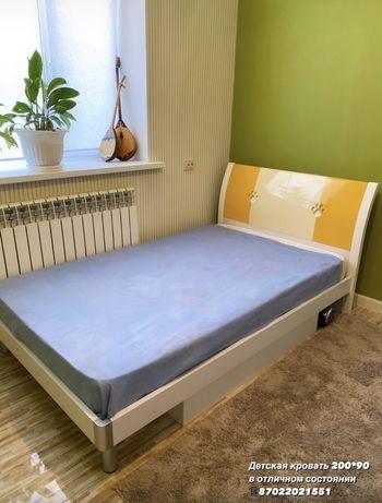 Кровать, манеж