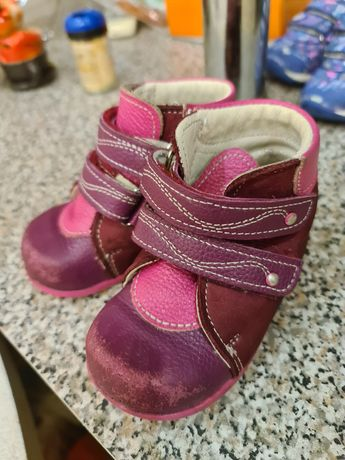 Ботинки и кроссовки на девочку 21 размера