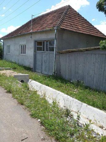 Vand casa cu teren intravilan Ucuris jud. Bihor + teren extravilan